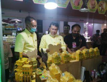 """อธิบดี พช. ให้กำลังใจผู้ประกอบการโอทอปในงาน """"OTOP Thai to Songkhla"""